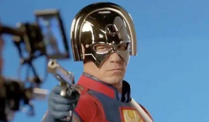 John Cena no papel de Peacemaker