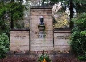 A tumba de Murnau